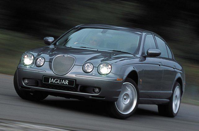 jaguar s type 1999 2003 x200 second generation photos between the axles. Black Bedroom Furniture Sets. Home Design Ideas