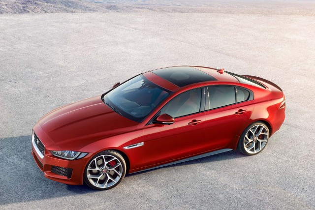 Jaguar XE S - side high