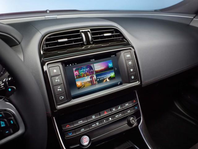Jaguar XE S - InCommand screen