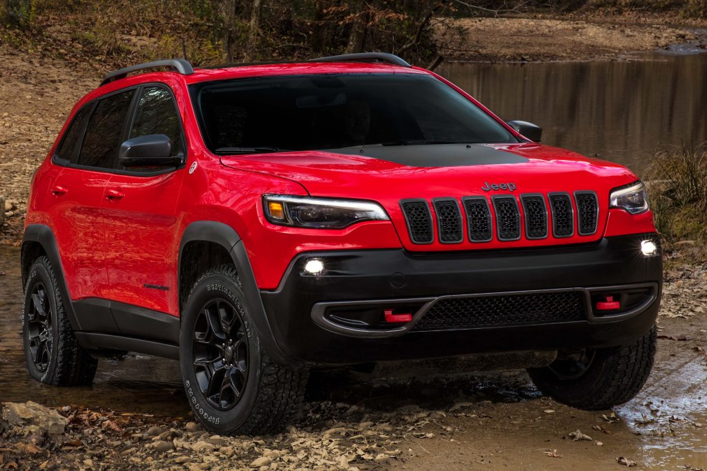 2019 Jeep Cherokee facelift - front, Trailhawk, red