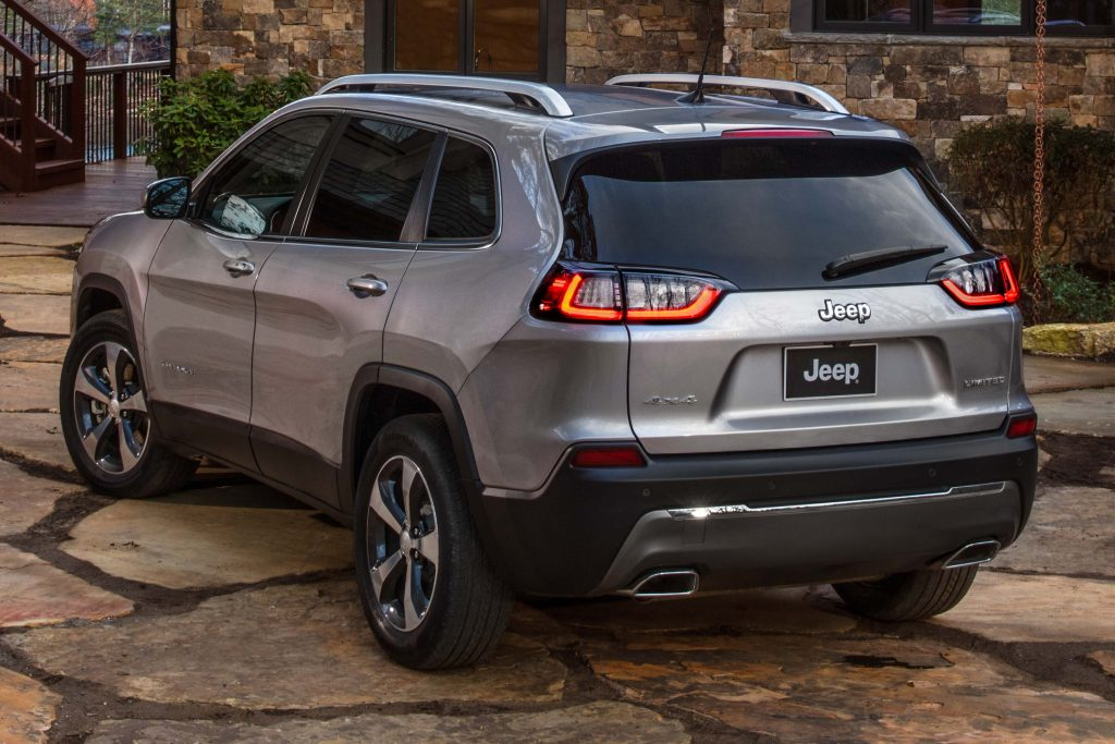 2019 Jeep Cherokee facelift - rear, Limited, silver