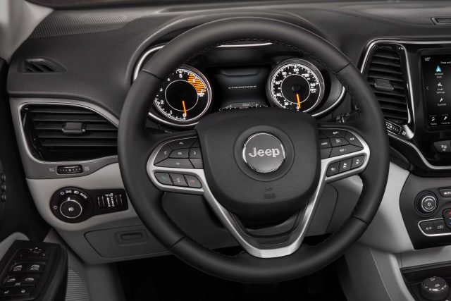 2019 Jeep Cherokee facelift - steering wheel