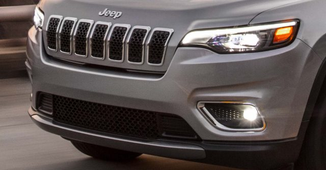 2019 Jeep Cherokee facelift - new headlamps, grille, bumpers