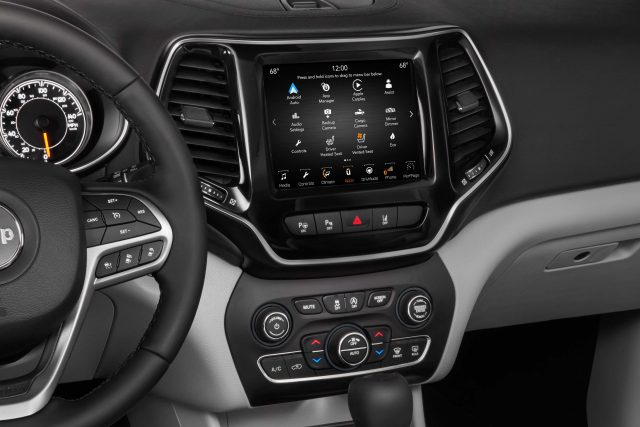 2019 Jeep Cherokee facelift - uConnect