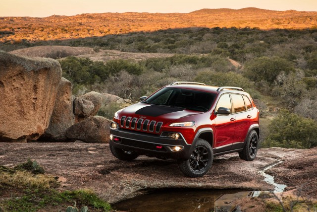 2014 Jeep Cherokee Trailhawk - on top of a ridge, front