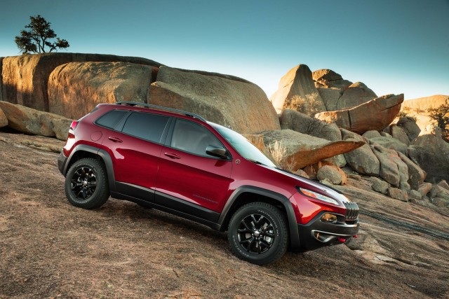 2014 Jeep Cherokee Trailhawk - descending