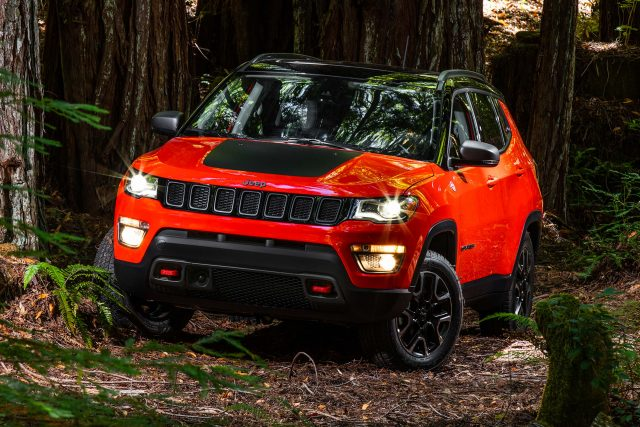 2018 Jeep Compass Trailhawk - front, red and black