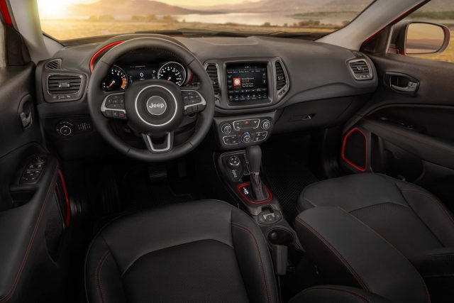 2017 Jeep Compass Trailhawk - interior, dashboard