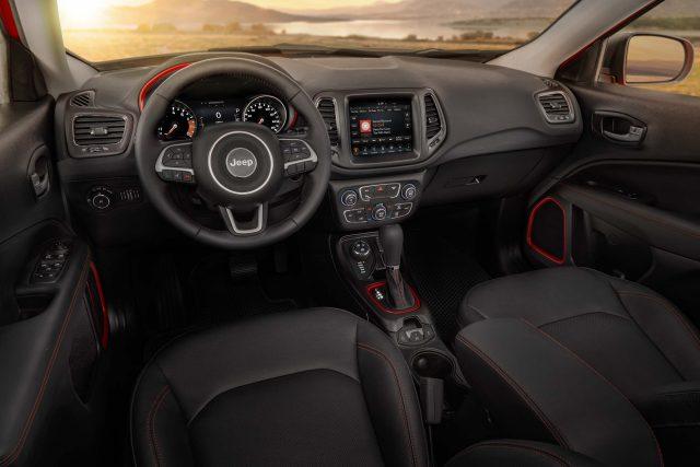 2017 Jeep Compass Trailhawk - interior, dashboard