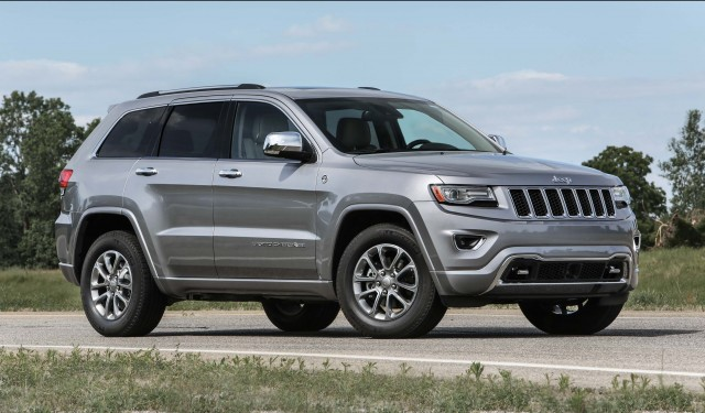 wk2 jeep grand cherokee facelift photo gallery between the axles. Black Bedroom Furniture Sets. Home Design Ideas