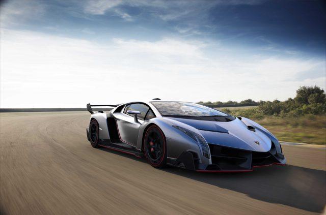 Lamborghini Veneno - front, track