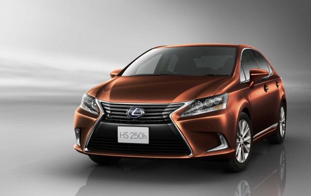 2015 ANF10 Lexus HS250h - brown