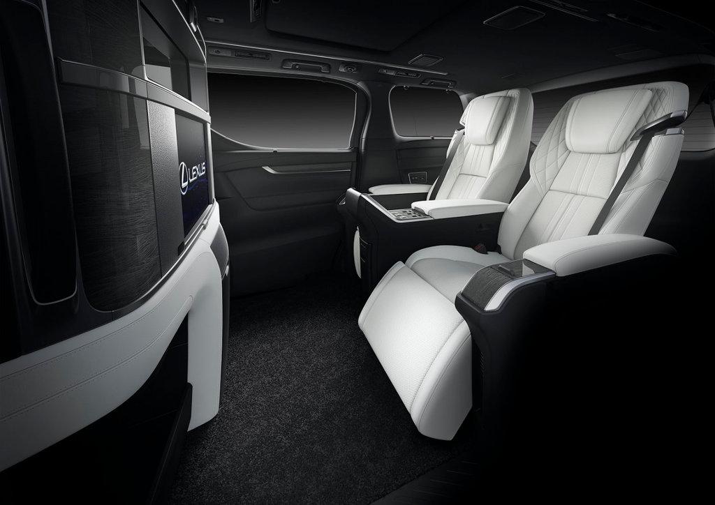 2020 Lexus LM