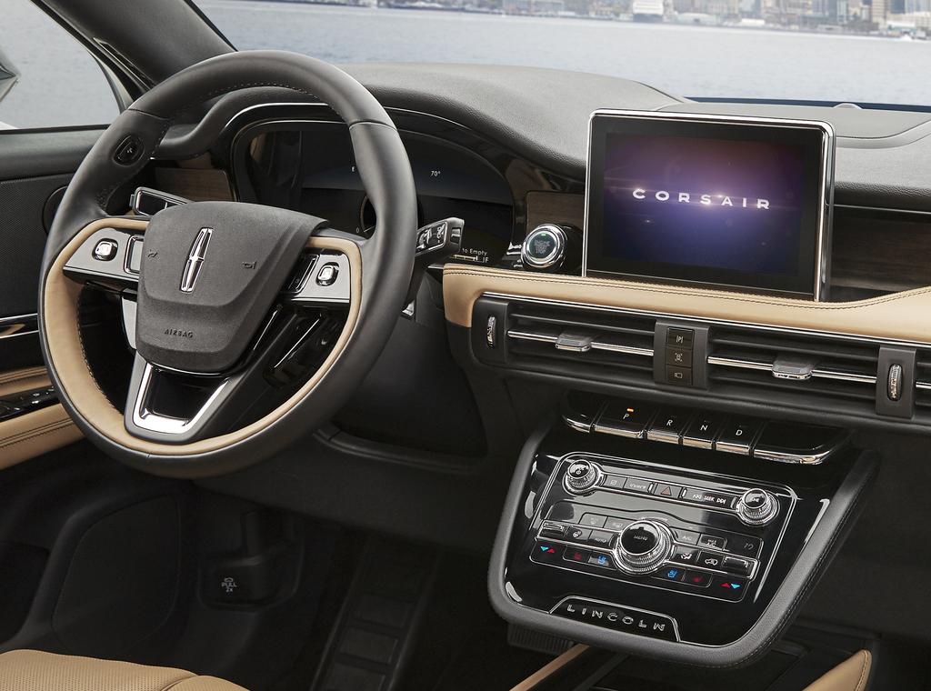 2020 Ford Escape Vs Lincoln Corsair Differences Compared