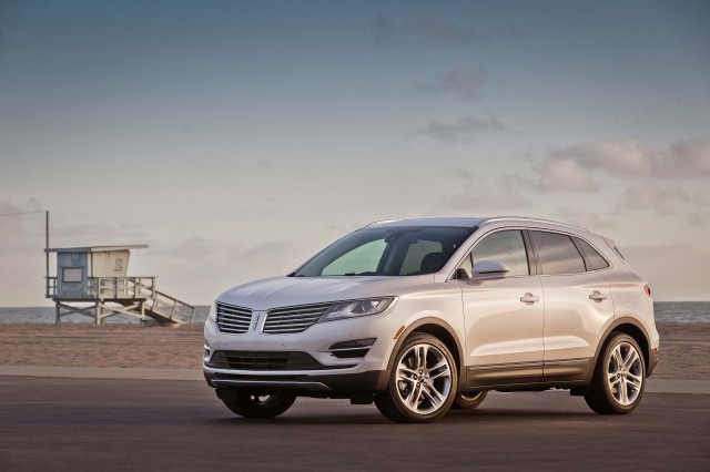 MY2015 Lincoln MKC