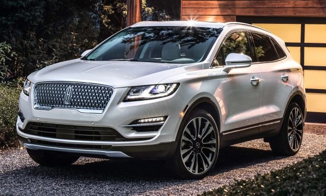 2019 Lincoln MKC facelift - front, white