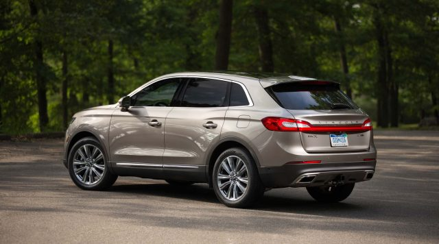 2016 Lincoln MKX - side and rear