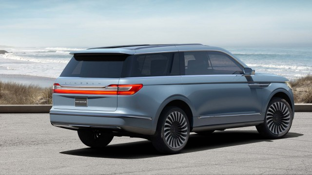Lincoln Navigator Concept rear