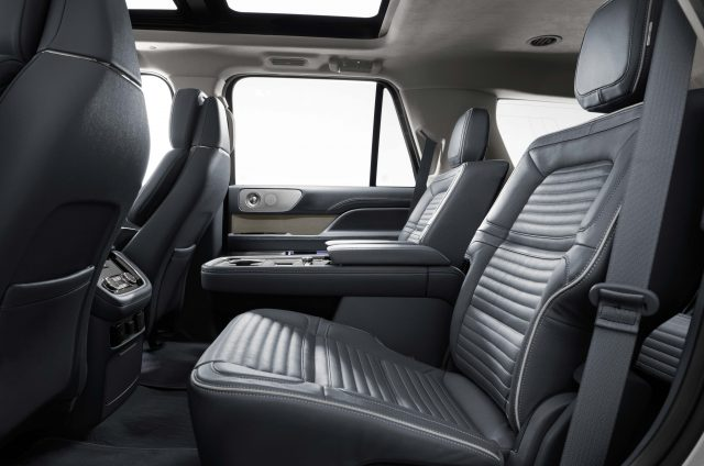 2018 Lincoln Navigator - middle seats