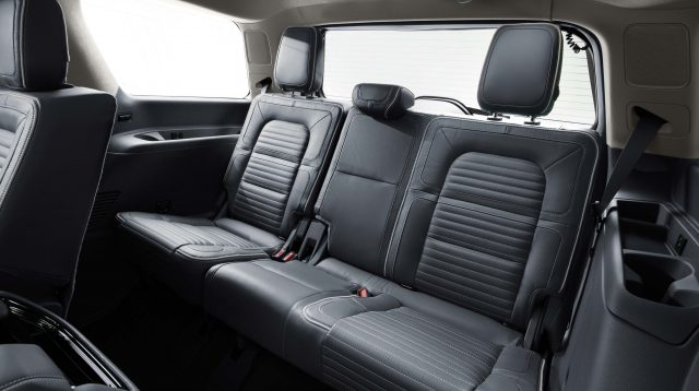 2018 Lincoln Navigator - rear seats