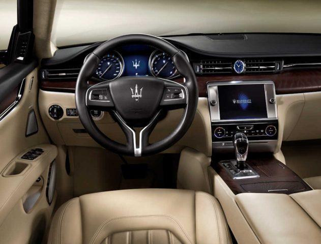 M156 Maserati Quattroporte - interior, dashboard