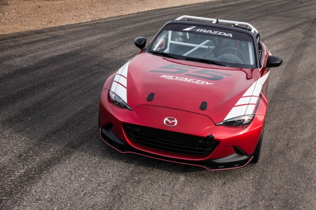 2016 Mazda Global MX-5 Cup race car