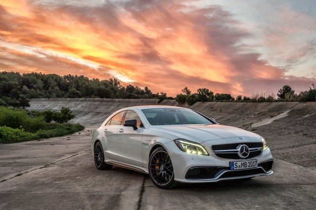 C218 Mercedes-Benz CLS63 S AMG - front, white, sunset, track