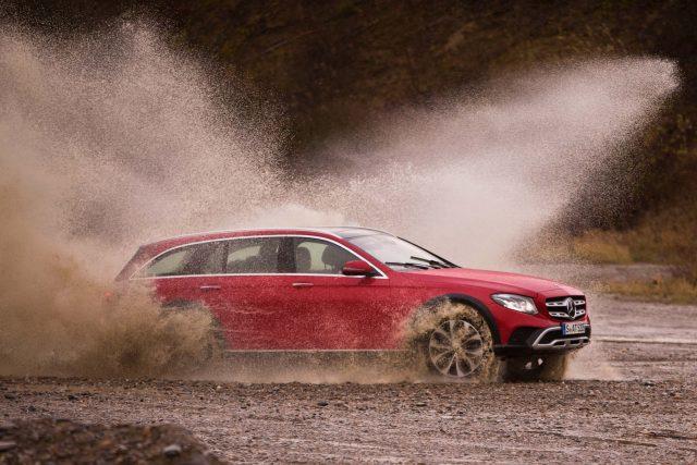 2017 Mercedes-Benz E-Class All-Terrain - side, mud, spray