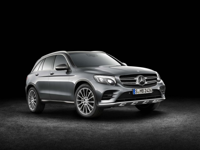 X253 Mercedes-Benz GLC350e 4Matic Edition 1 - front