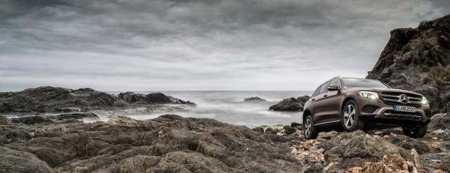 X253 Mercedes-Benz GLC220d 4Matic - by the ocean