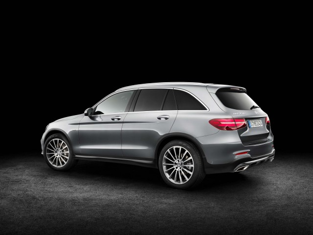 X253 Mercedes-Benz GLC350e 4Matic Edition 1 - rear, profile, studio