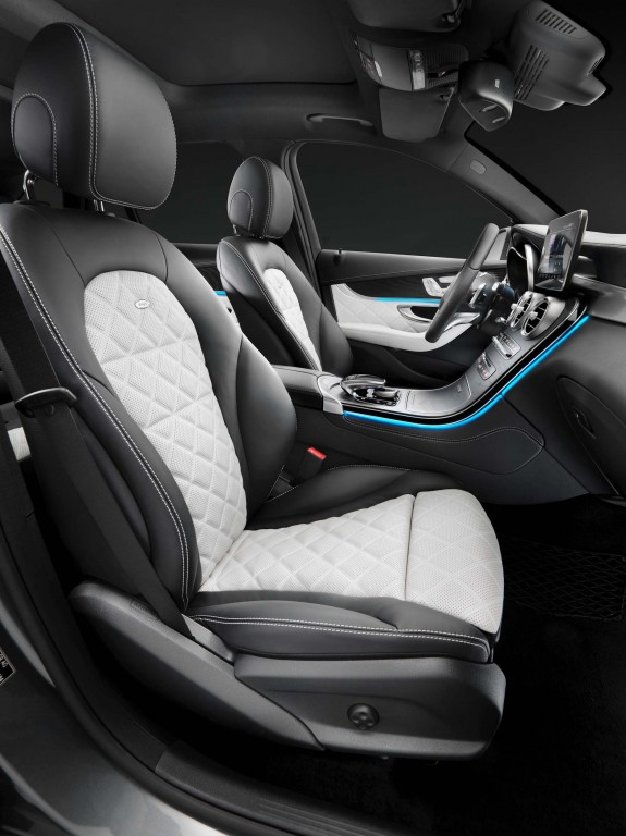 X253 Mercedes-Benz GLC350e 4Matic Edition 1 - front seats