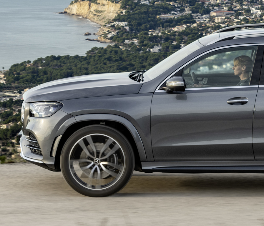 2020 Mercedes-Benz GLS Vs GLE: Differences Compared Side