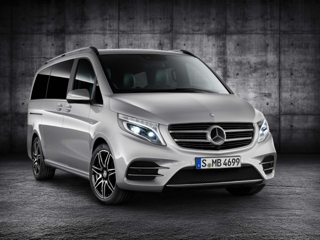 W447 Mercedes-Benz V250d with AMG Line pack - front, silver