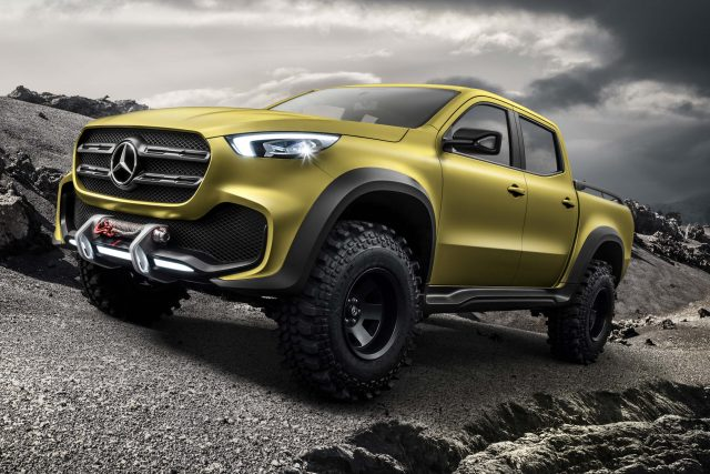 Mercedes-Benz X-Class Concept - front, olive, off road version