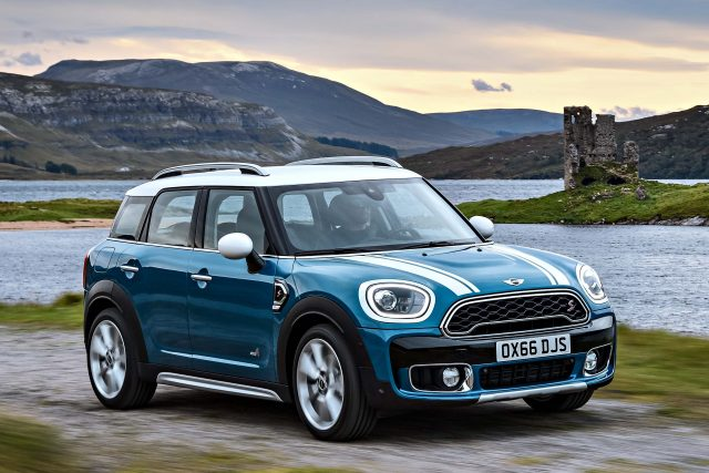 2017 Mini Countryman Cooper S Front Blue And White