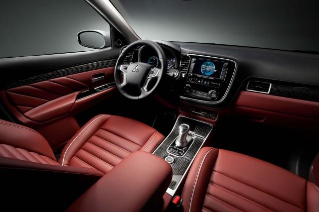 Mitsubishi Outlander PHEV Concept-S - interior