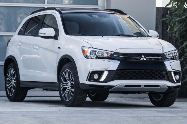 2018 Mitsubishi Outlander Sport - front, white