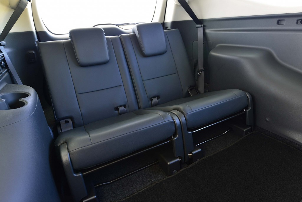 Mitsubishi Pajero Sport (third generation) - third row seats