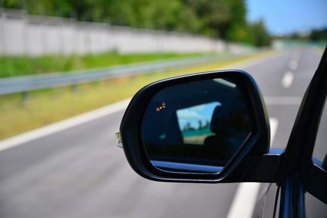 Mitsubishi Pajero Sport (third generation) - blind spot warning