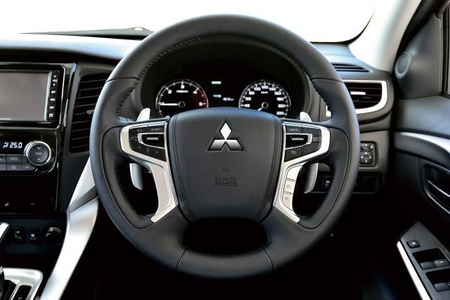 Mitsubishi Pajero Sport (third generation) - steering wheel