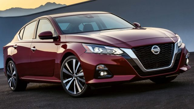 2019 Nissan Altima - front, red