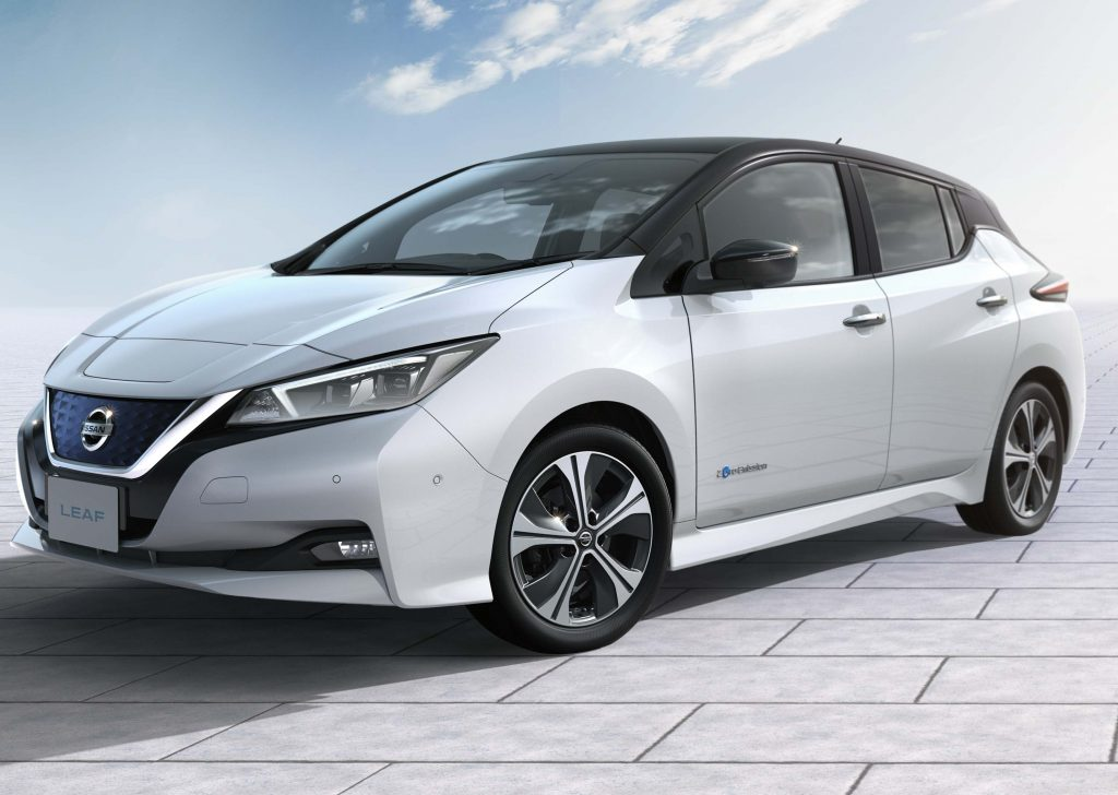 2017 Nissan Leaf Front White With Black Roof
