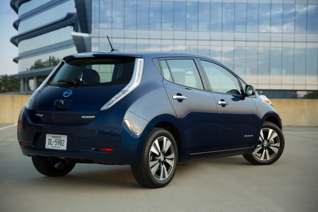 ZE0 Nissan Leaf (MY2016) - rear