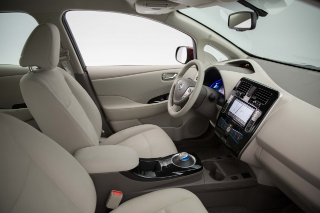 ZE0 Nissan Leaf (MY2016) - fornt seats