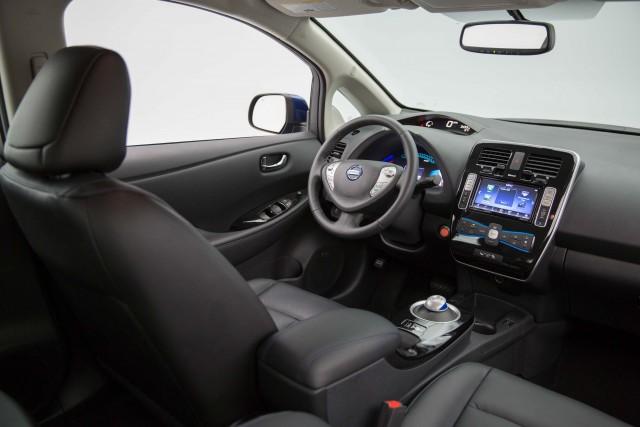 ZE0 Nissan Leaf (MY2016)