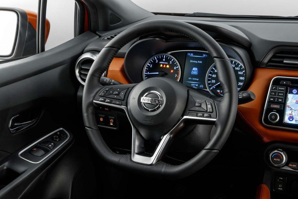 K14 Nissan Micra - steering wheel