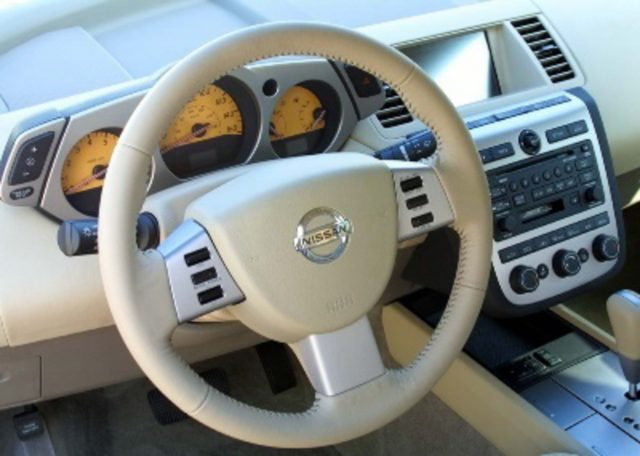 Z50 Nissan Murano - steering wheel