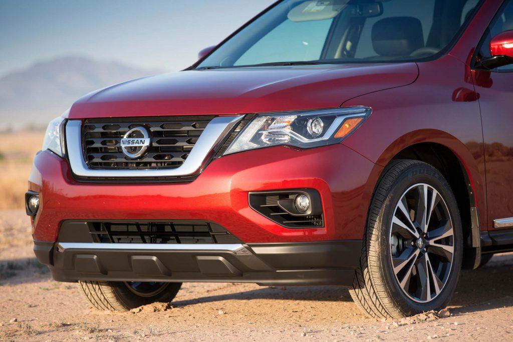 R52 Nissan Pathfinder facelift - new nose