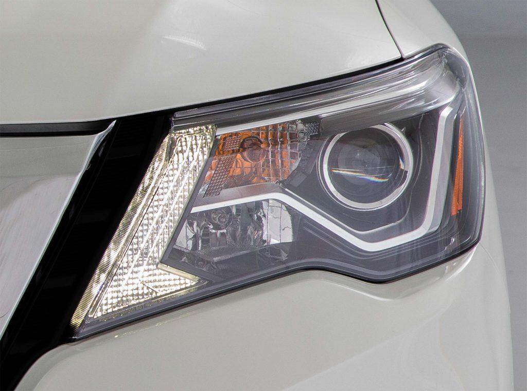 R52 Nissan Pathfinder facelift - new headlamp